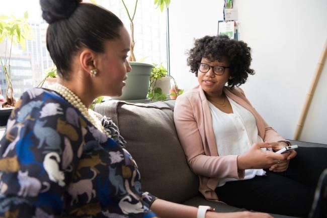 two-women-networking